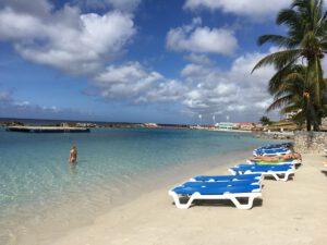 mambo beach het strand